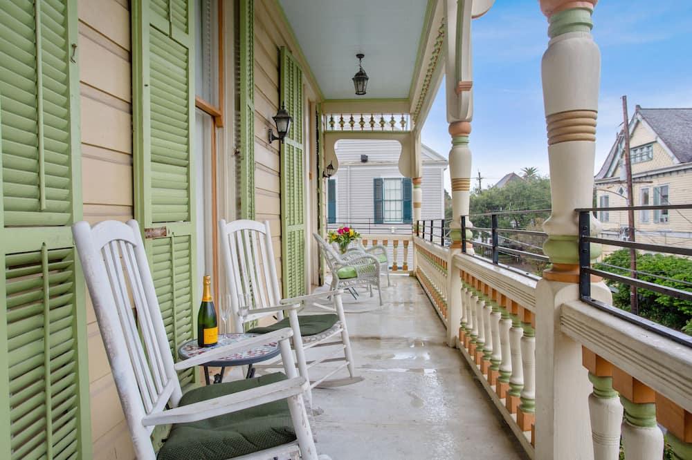 Premium Double Room, 1 Queen Bed, Non Smoking, Balcony - Balcony