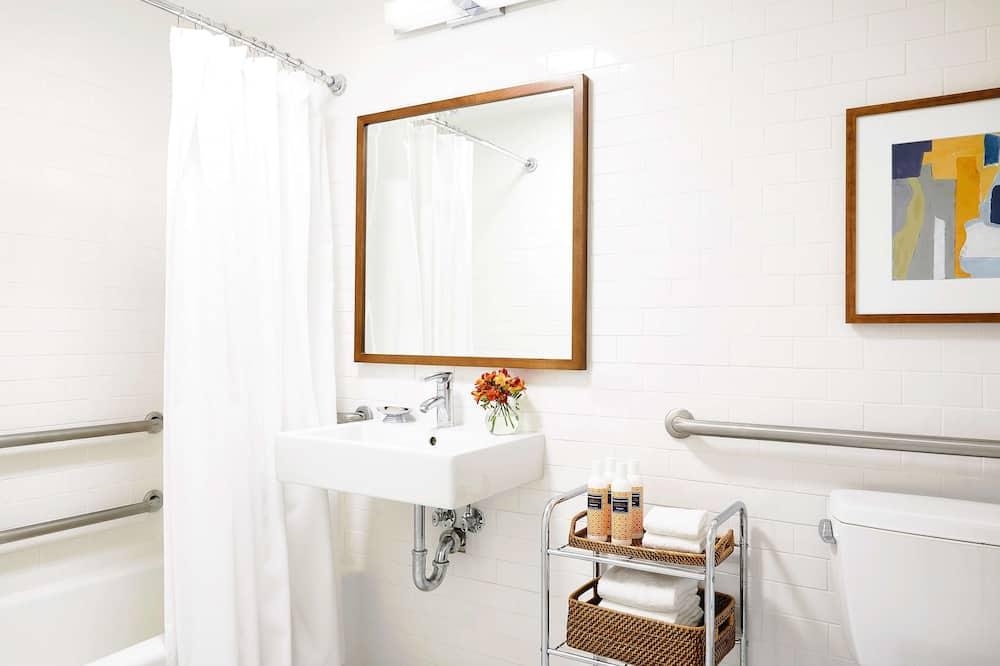 Room, 2 Double Beds, Accessible, Bathtub - Bathroom
