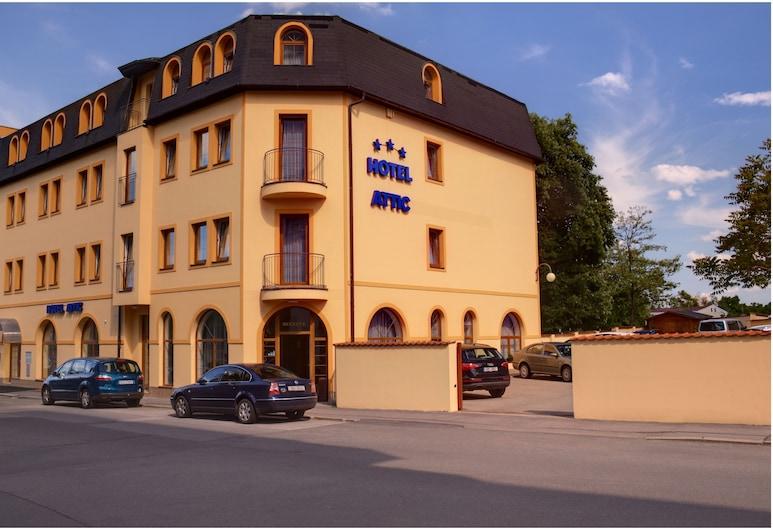Hotel Attic, Praga