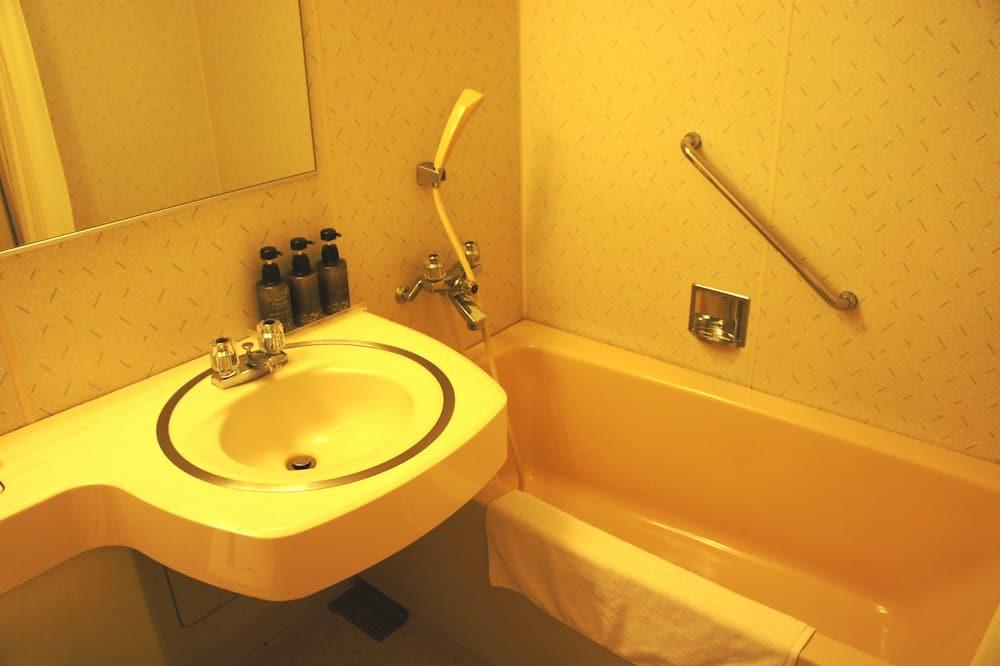 Traditional-Zimmer, Nichtraucher (w/Naoshima>Shodoshima Boat Ticket) - Badezimmer