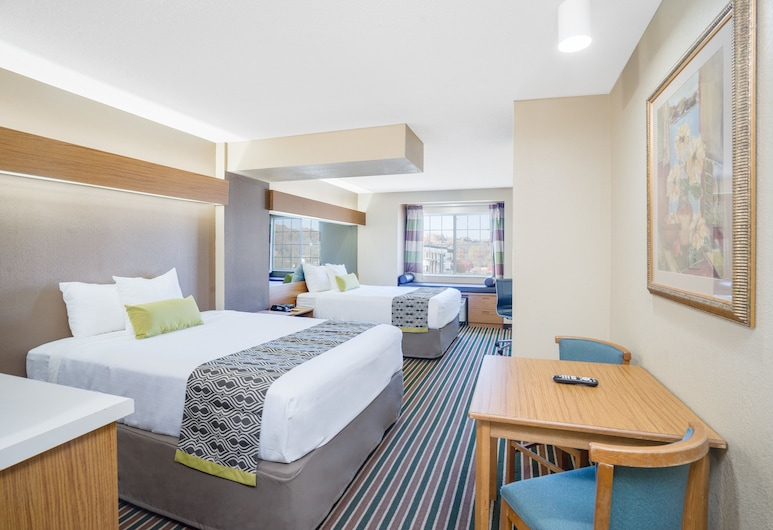 Microtel Inn & Suites by Wyndham Pigeon Forge, Pigeon Forge, Studio Suite, 2 Queen Beds, Non Smoking, Guest Room