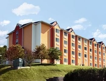 Picture of Microtel Inn & Suites by Wyndham Pigeon Forge in Pigeon Forge