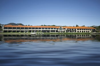 Enter your dates for our Taupo last minute prices