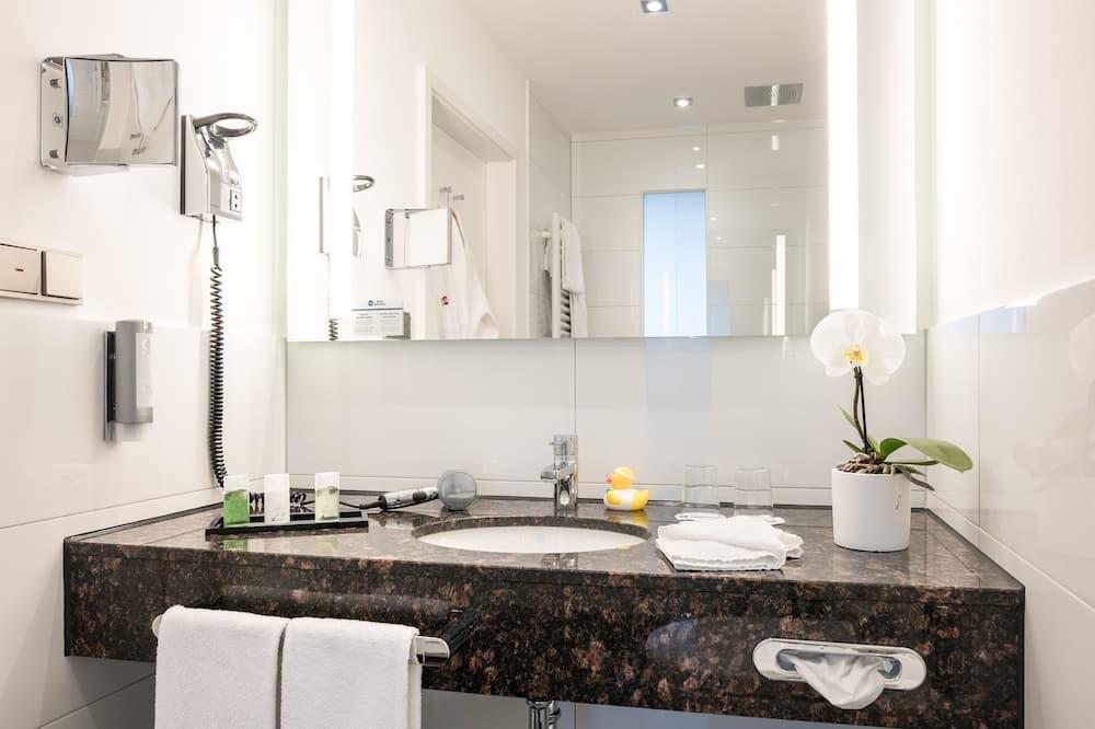 Habitación estándar, 1 cama de matrimonio, bañera - Cuarto de baño