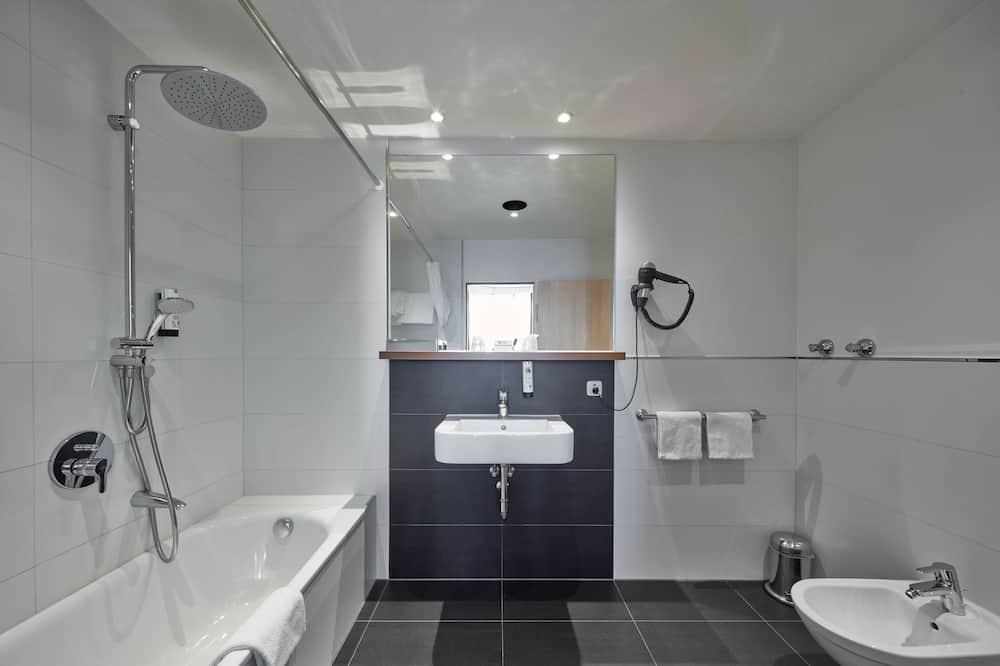 Junior Suite, 1 Double Bed (Cozy Sitting Corner) - Bathroom