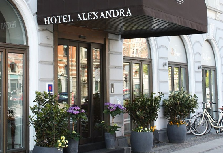 Hotel Alexandra, Copenhague, Entrada del hotel