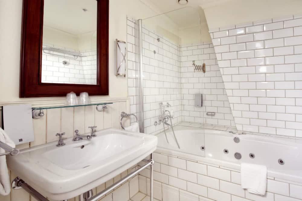 Suite, 1 tweepersoonsbed, niet-roken - Badkamer