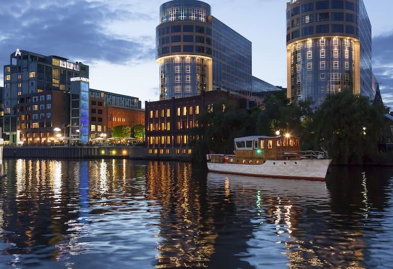 Ameron Hotel Abion Spreebogen Berlin, Berlin, Dock