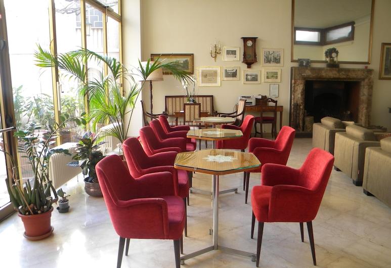Albergo Ristorante Tre Re, Como, Pintu Masuk Hotel