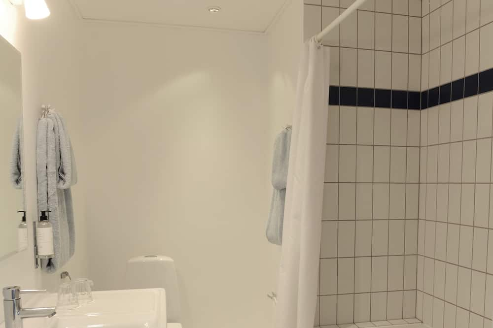 ห้องสแตนดาร์ดดับเบิลหรือทวิน (Medium) - ห้องน้ำ