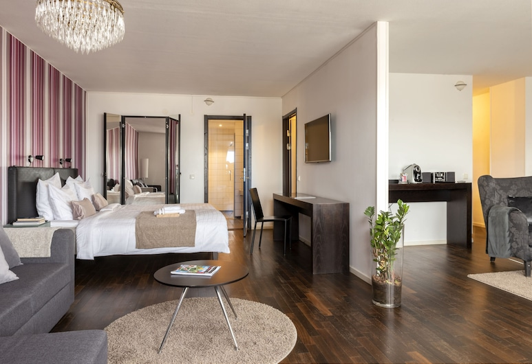 First Hotel Strand, Sundsvall, Suite, 1 kingsize-seng, utsikt mot sjø, Gjesterom
