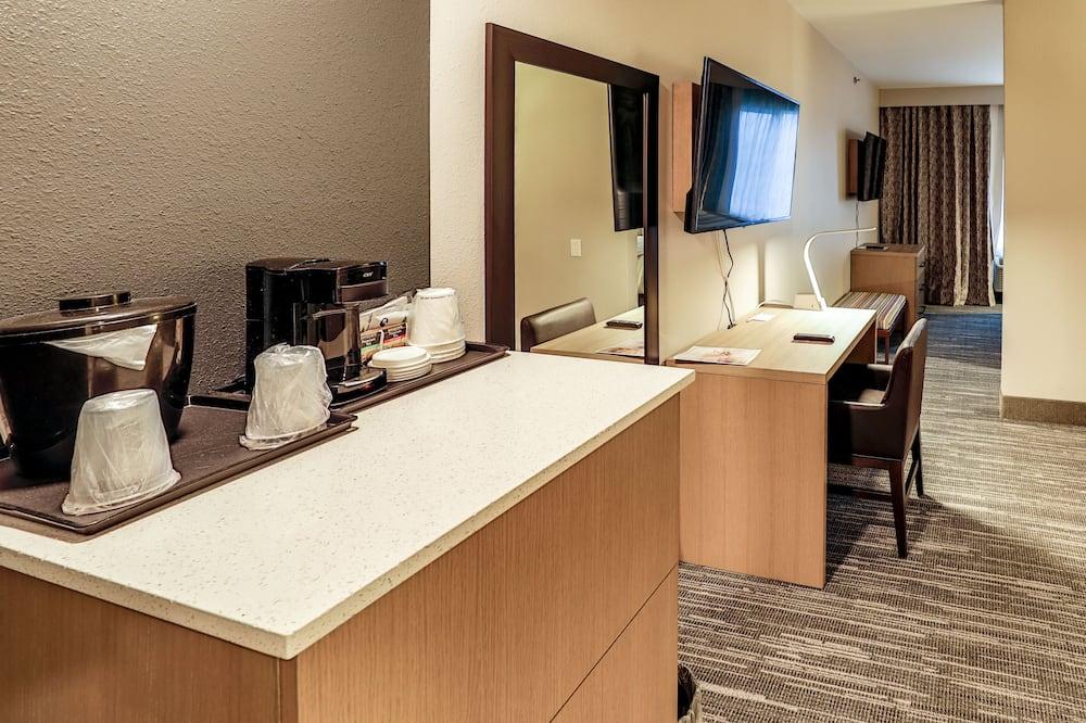 Suite estudio, 1 cama King size, con acceso para silla de ruedas, para no fumadores - Sala de estar