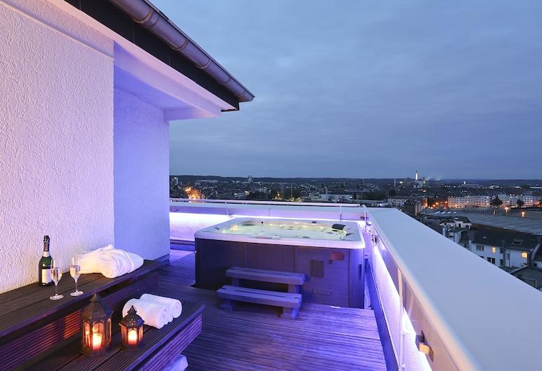 Hotel Asahi, Düsseldorf, Ateliérové apartmá typu Exclusive, 2 ložnice, výhled na město, Balkón