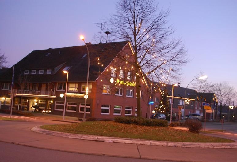 Hotel Zur Brücke, Harsewinkel, Hotel Front