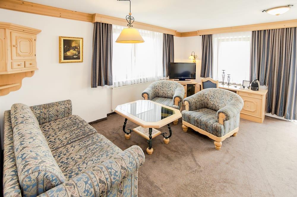 Suite, Hot Tub - Living Area