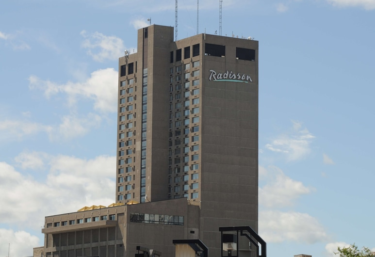 Radisson Hotel Winnipeg Downtown, Winnipeg