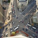 إطلالة على الشارع