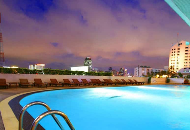 Golden Tulip Sovereign Hotel, Bangkok, Piscine en plein air