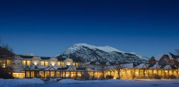 Picture of Coast Canmore Hotel & Conference Centre in Canmore