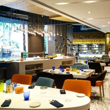 Picture of Radisson Blu Hotel Chennai in Chennai