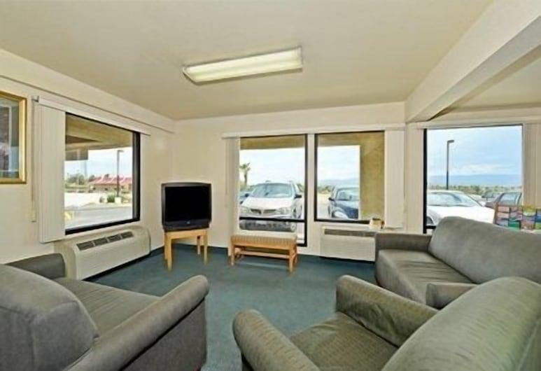 Rodeway Inn & Suites, Needles, Poilsio zona vestibiulyje