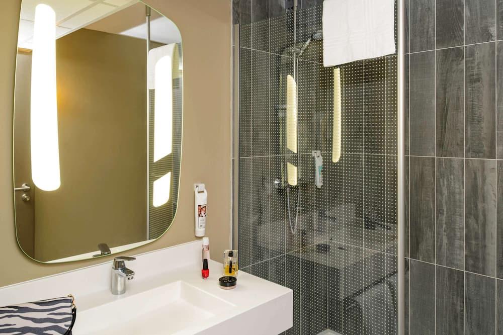 Habitación doble, Varias camas - Baño