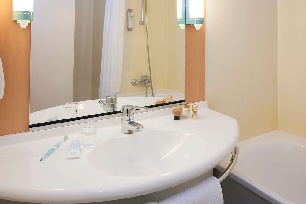 Standard Double Room, 1 Katil Kelamin (Double) dengan Katil Sofa - Bilik mandi