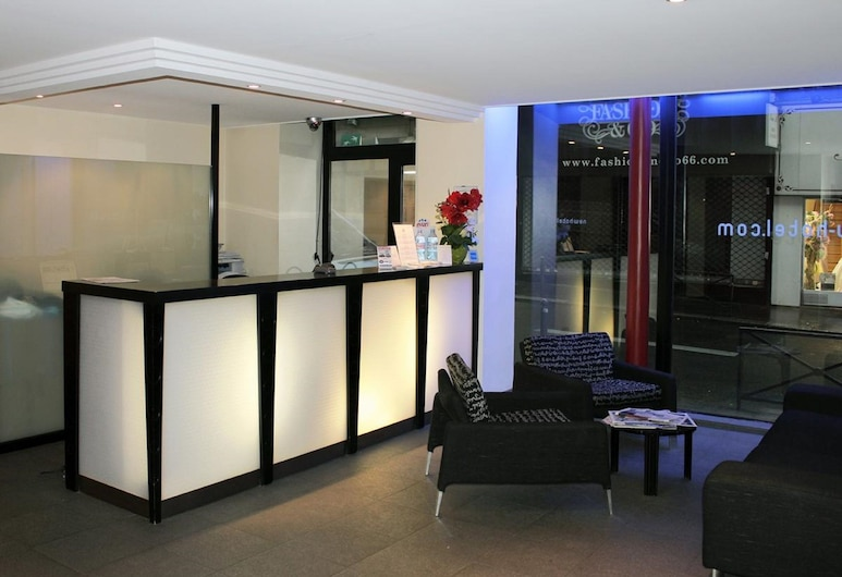 New Hôtel Saint Lazare, Paris, Reception