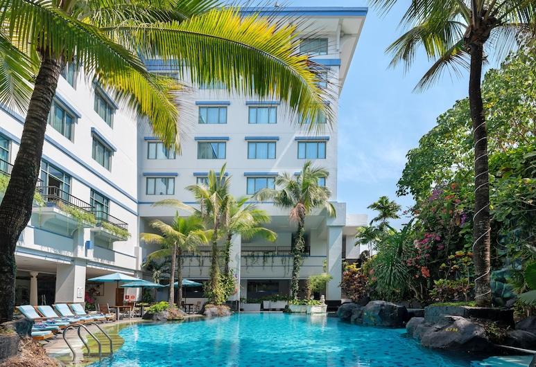Novotel Yogyakarta, Yogyakarta, Pool