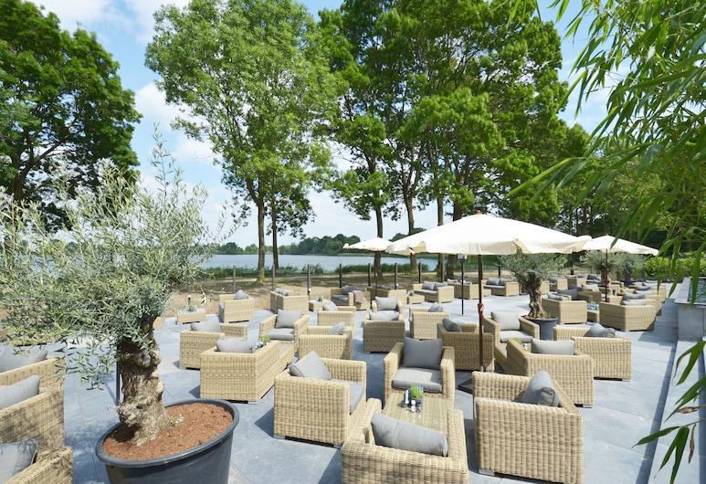 Fletcher Hotel-Restaurant's-Hertogenbosch, Rosmalen, Terrass