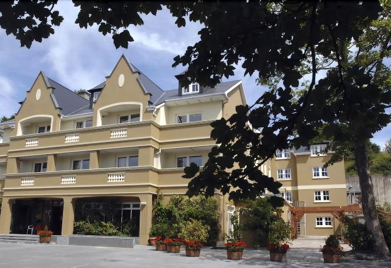 Earls Court House Hotel, Killarney, Průčelí hotelu