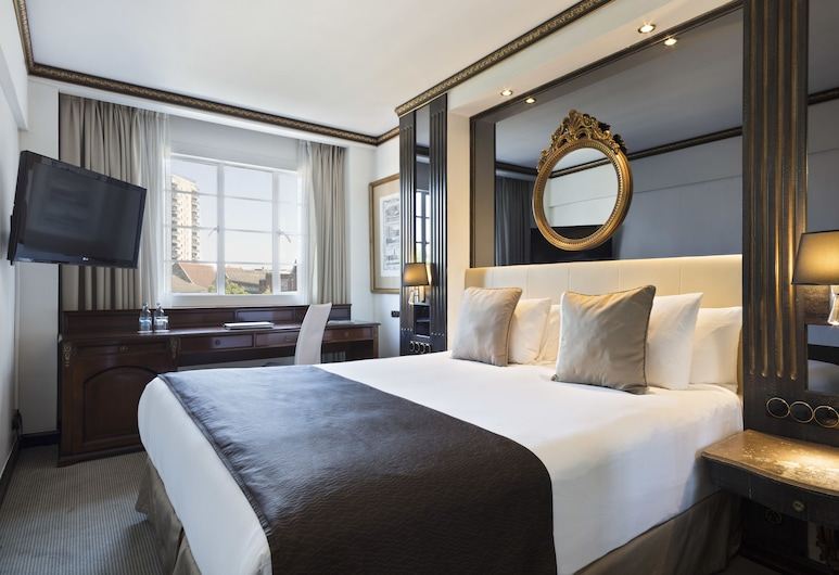 Melia White House Hotel, London, Classic Room, 1 King Bed, City View