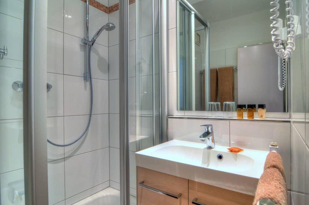 Business Single Room - Bathroom