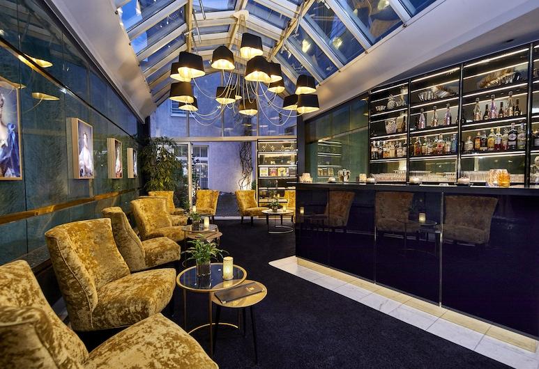 Das Carls Hotel, Düsseldorf, Μπαρ ξενοδοχείου