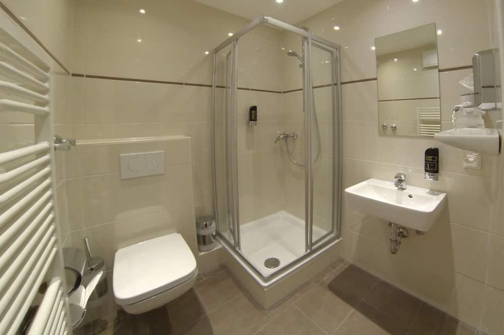 Trivietis kambarys, 3 viengulės lovos - Vonios kambarys