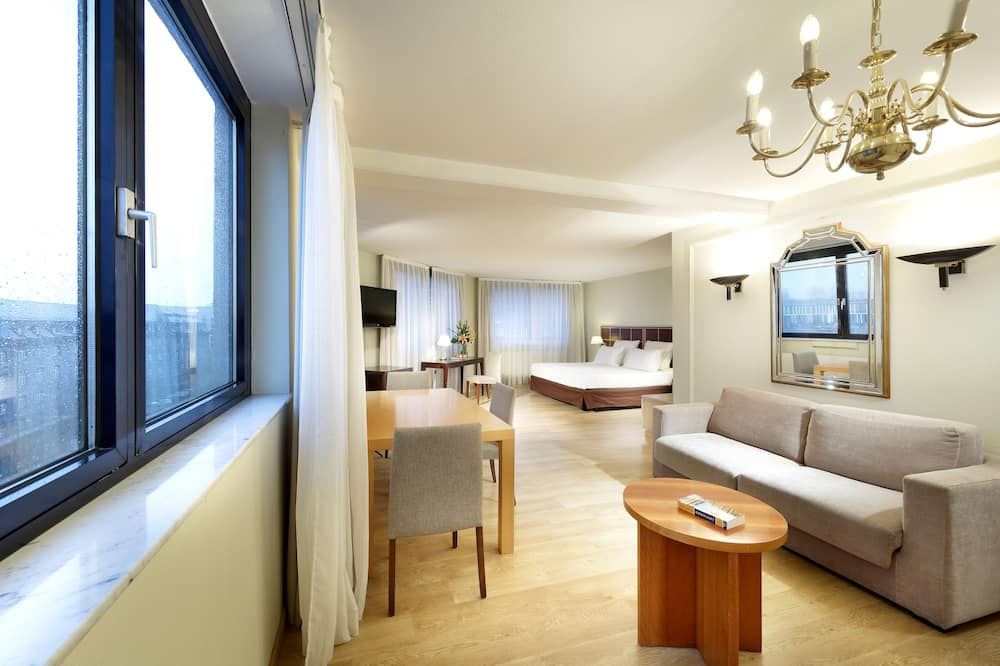 Suite (Single Occupancy) - Sala de estar