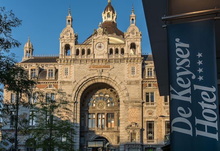 De Keyser Hotel, Antwerp, Exterior