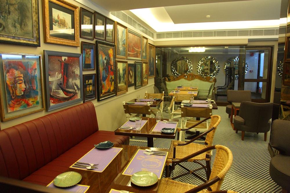 Diplomat Hotel Delhi Restaurant