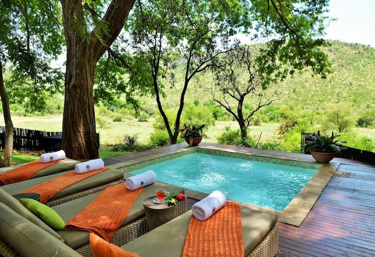 Kwa Maritane Bush Lodge, Pilanesberg National Park, Outdoor Spa Tub