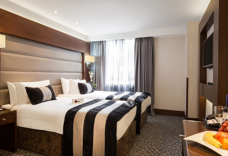 Park Grand Paddington Court, London, Club Twin Room, Guest Room