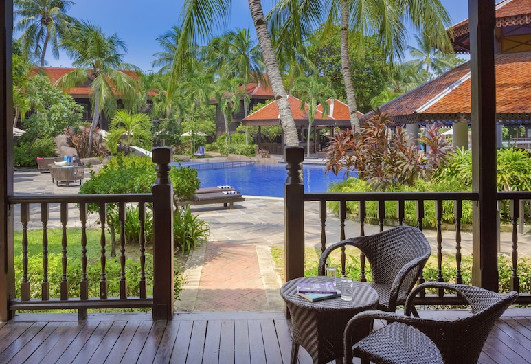 Pelangi Beach Resort & Spa, Langkawi, Langkawi, Tuba, terrass, asub basseini ääres, Terrass