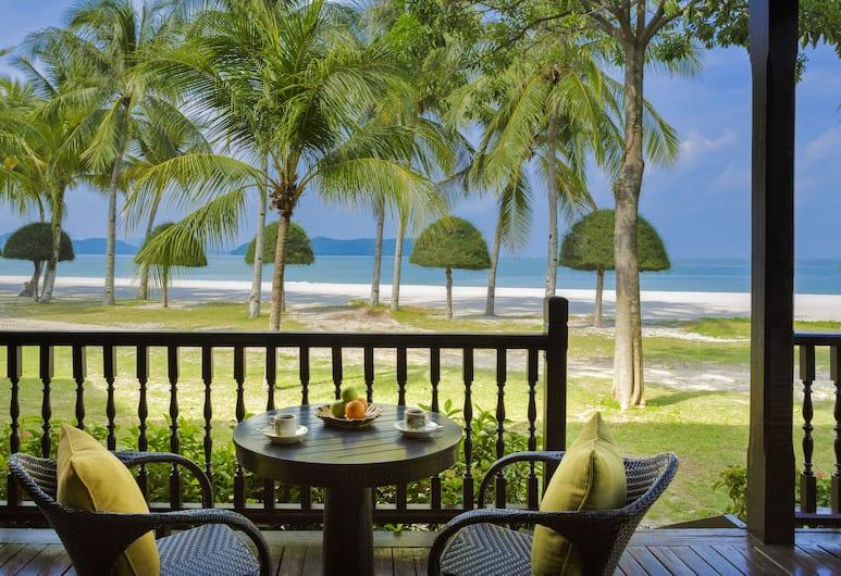 Meritus Pelangi Beach Resort Langkawi, Langkawi, Номер, с видом на воду, Терраса/ патио