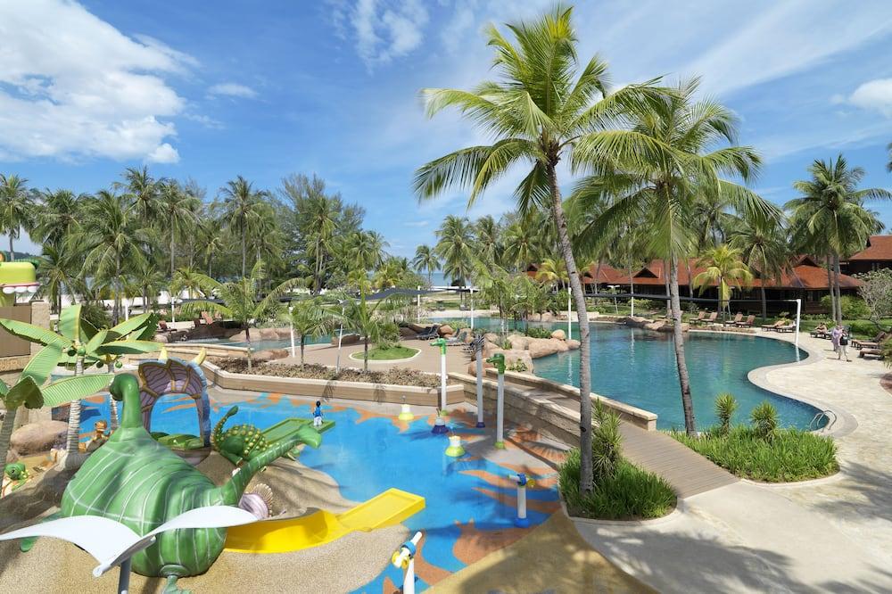 Pelangi Junior Suite - Açık Yüzme Havuzu