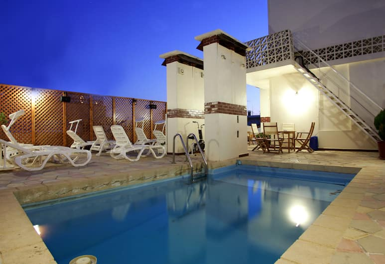 五月花酒店, 貝魯特, 天台泳池
