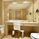 Chambre Premium (2 adults + 1 child) - Salle de bain