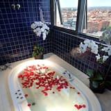 Junior Suite (Single Use) - Outdoor Spa Tub