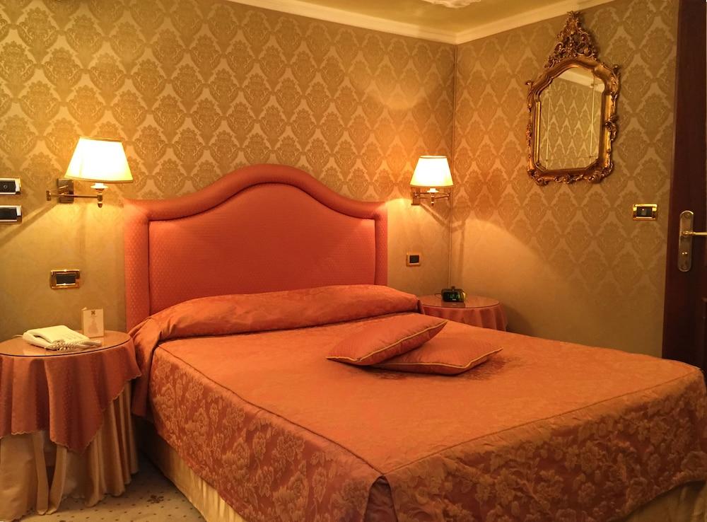 Colombina Hotel, Venice