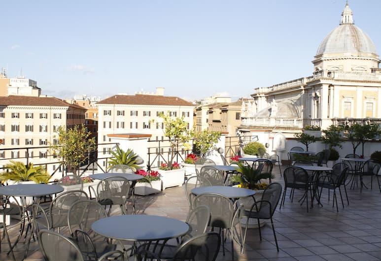 Hotel Gallia, Róma, Kültéri étkezés