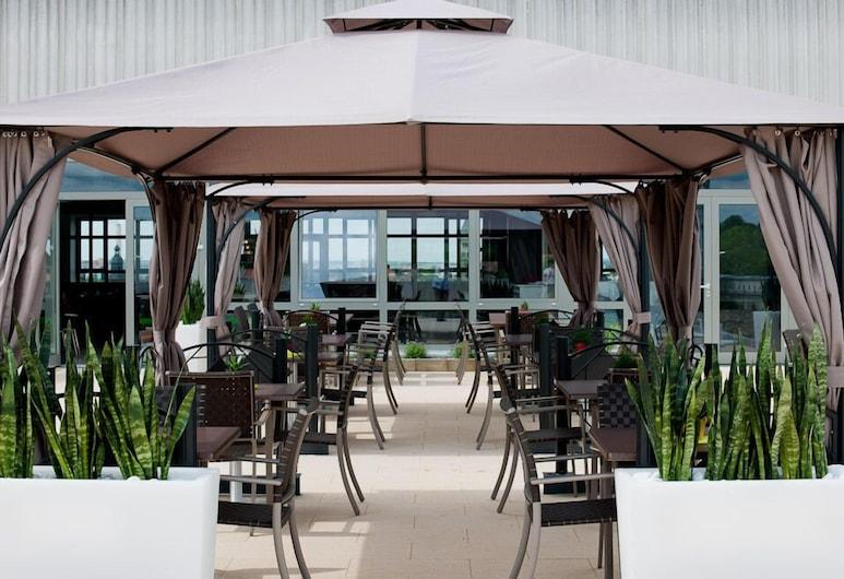 Panorama Hotel Schweinfurt, Schweinfurt, Outdoor Dining