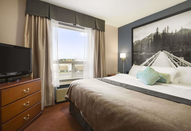Super 8 by Wyndham Whitecourt, Whitecourt, Standard Room, 2 Queen Beds, Guest Room